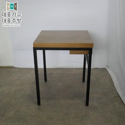 무늬목 테이블 (500x500) 1EA